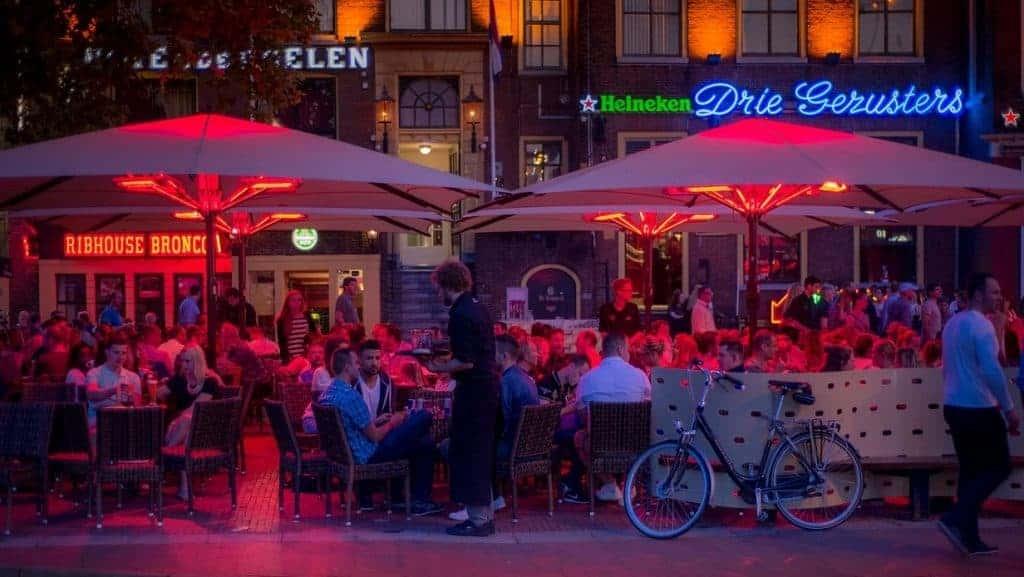 KHN dringt erop aan om de horeca-tsunami in Groningen in te dijken.