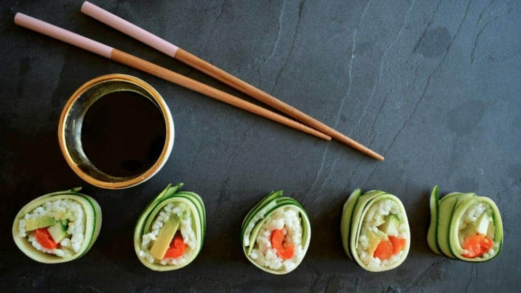 sushi met courgette