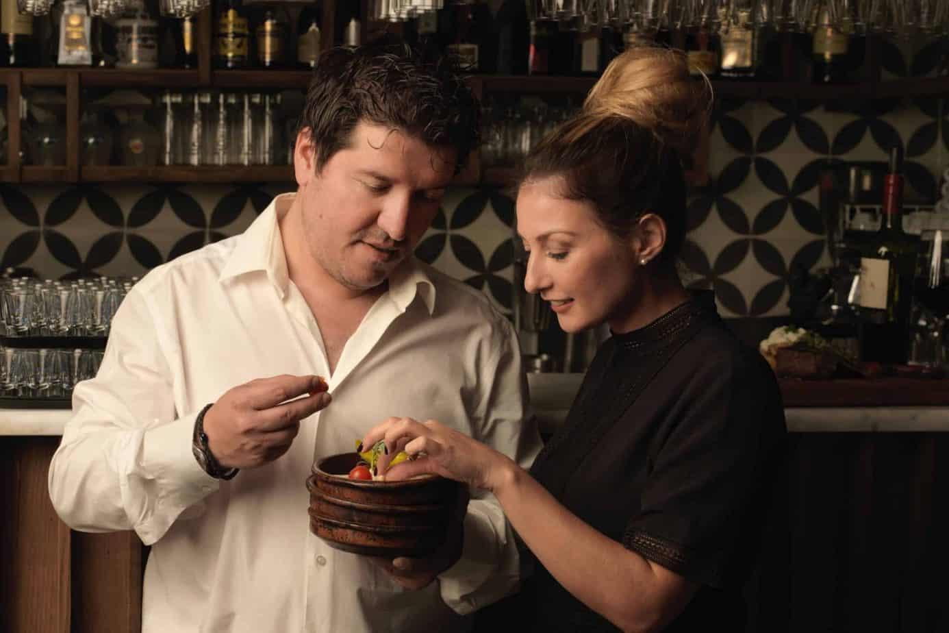 Kostas en Wicky Christodoulou, eigenaars van het Grieks restaurant Irodion in Capelle aan den IJssel