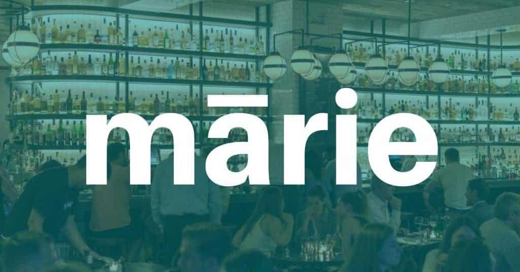 Tweelingzussen Katleen en Marleen Dewulf en hun echtgenoten - de eveneens eeneiige tweeling Stephane en Philippe Soete runnen niet alleen samen het restaurant Quatre Quarts in Bissegem, ze delen ook een huis met elkaar. Om de klok rond samen te zijn en werken moet je wel goed overeen komen.
