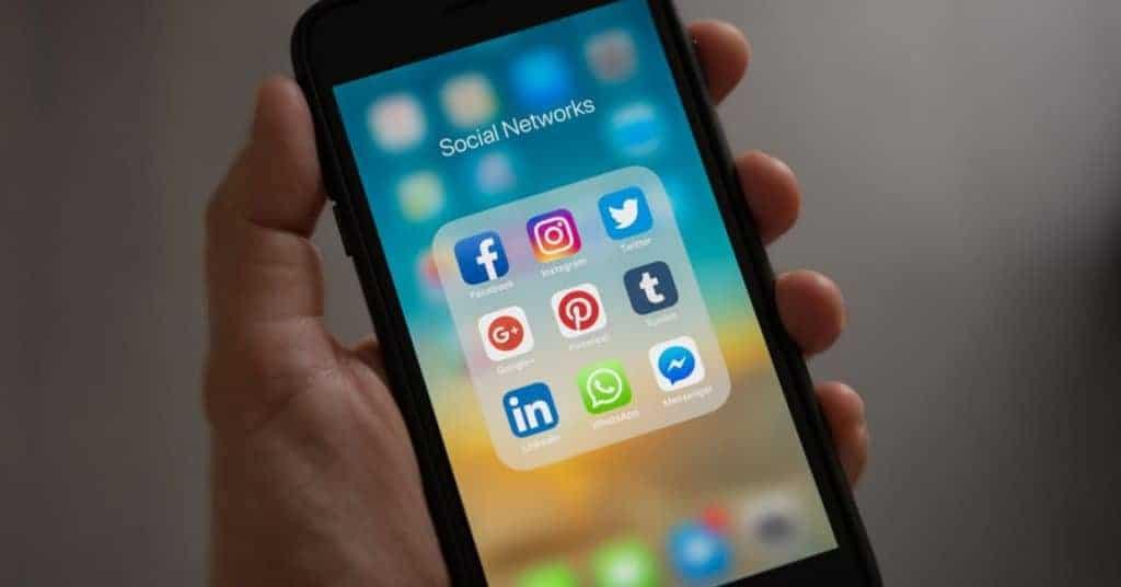 horecaleveracier horecaleveranciers communiceren facebook instagram twitter linkedin google pinterest