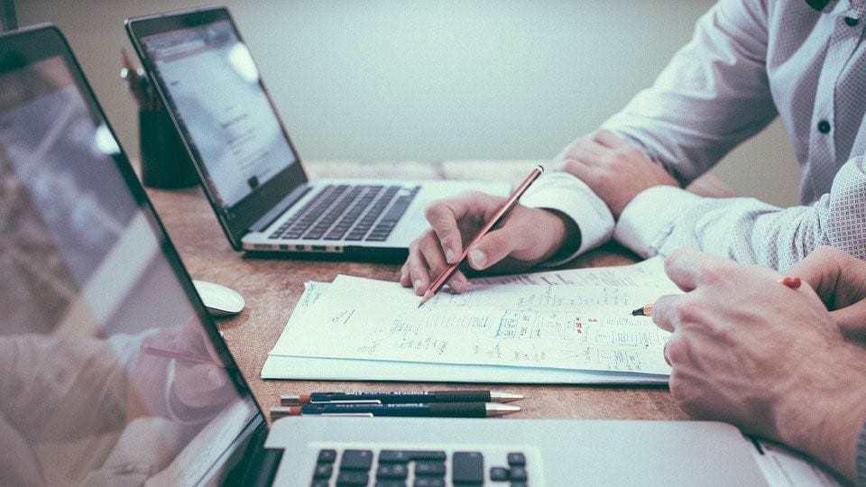 """Horeca-ondernemers: """"Vergeet je leveranciers niet!"""" Advies en 8 tips voor een financieel stappenplan."""