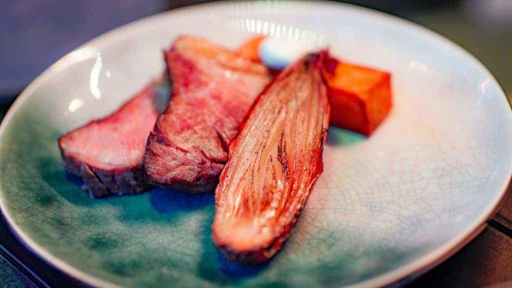 Op de menukaart van Bystrò Jamien staan smaakvolle starters en hoofdgerechten voor de liefhebbers van een stukje vlees.