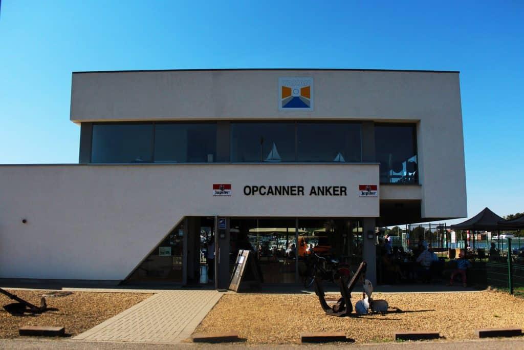 Opcanner Anker café restaurant vooraanzicht