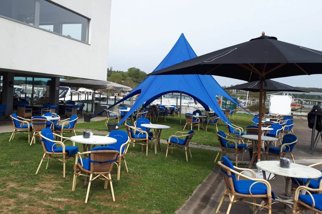 Cafe-restaurant Opcanner Anker terras