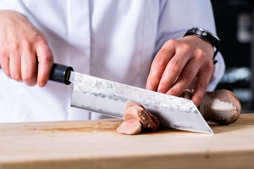 mistinguett francesca sterckx varkenstong chef and knife mes